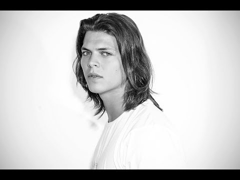 Alex Høgh Andersen Go-See Interview