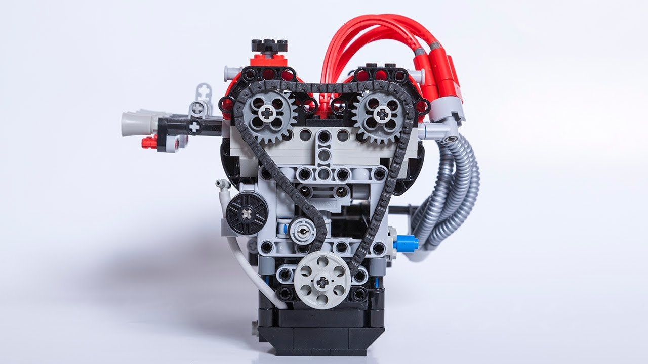Ah, So That's What A Moving Engine Made Of LEGO Looks Like