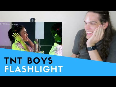 Voice Teacher Reacts to TNT Boys - Flashlight