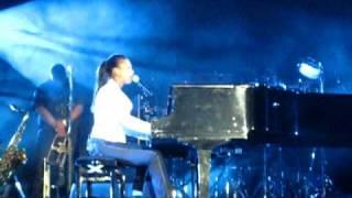 Tell You something Alicia Keys in Rabat (Morocco)