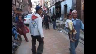 preview picture of video 'Bhaktapur procession'