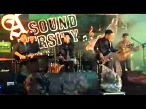 LARA BAND Live at Sound versity side pool Hotel Ibis 27 april 2013