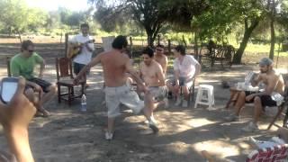 preview picture of video 'guitarreada con mis primos - MALAMBO improvisado'