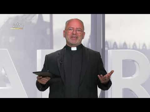 Que symbolisent les gestes du prêtre pendant l'Offertoire ?