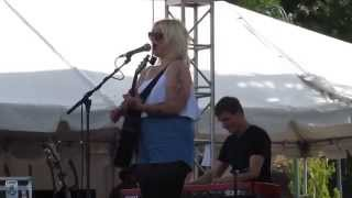 """Elle King - """"Ex's and Oh's"""" Live at Beale Street Music Festival 2015"""