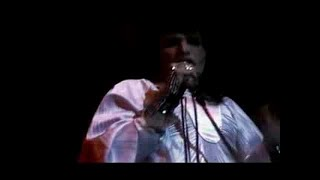 Queen - Now I'm Here (Official Video)