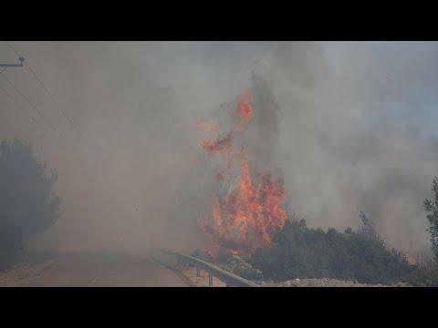 Ελλάδα: Ξέσπασε νέα πυρκαγιά στα Βίλια Αττικής