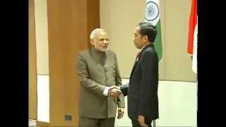 preview picture of video 'PM meets the President of Indonesia, Joko Widodo, in Nay Pyi Taw, Myanmar'