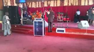 Rev  Oteng worship