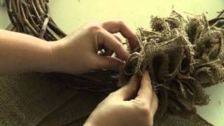 How To Make A Burlap Wreath: Simple Tutorial