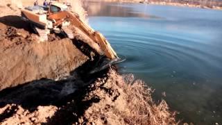 Спуск воды с 5 карьера в Мостовском 16.12.2014