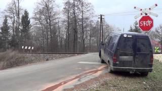 Zderzenie szynobusa z samochodem osobowym w Krośnie