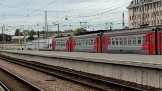 ...как объявляют поезда на Финляндском вокзале города Санкт-Петербурга.... (Full HD)