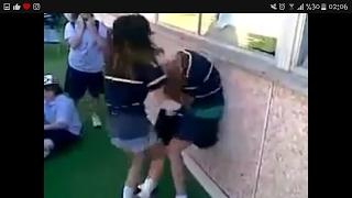 +18 Liseli Kız Kavgaları (+18)