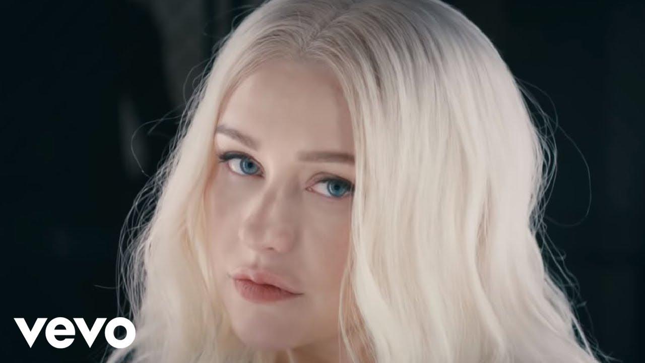 Christina Aguilera ft. Demi Lovato — Fall In Line