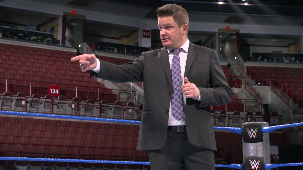 SmackDown Announcer Greg Hamilton Gets Engaged (Video)