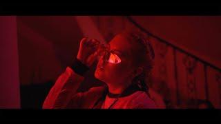 Casa Sola - Iza Macondo Spotify: https://spoti.fi/2JwsNJG  Instagram: https://www.instagram.com/izamacondo/ Twitter: https://twitter.com/IzaMacondo Facebook: https://web.facebook.com/izamacondocrew/  Productor:  Juan Lara ViralFilmsmx Productor Musical: Real Nanther / Jhonay Dirección General & Logística:  Evert D. Nieves  Dirección Guión: Doris Name  Dirección Estilismo:  Nour Takla Make Up Artist:  Camila Trujillo Andrea Falcón Lili Hernandez  Hairstyle:  Hiram Hernández / HH ESTUDIO  Director de Coreografía:  Gustavo Leal / Urban Dance Academy Bailarinas: Samantha Tress Nuria Ramírez Renata Montiel Montserrat López  Modelos: Dariana Montenegro Daniela Zamora  David Camaro  Fotografía BTS:  Diana Munive / Aldo Guzmán  Asistentes de Producción: Lucas Navarro  Roy Carrasco Carlos Velazquez Iris Fernández