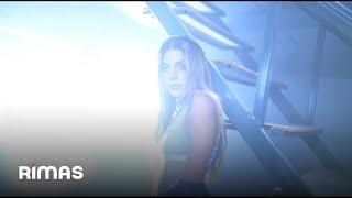 Video Mientras Tanto de Corina Smith