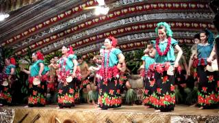 preview picture of video 'Fiafia dances at Aggie Grey's in Apia, Samoa (June 9, 2011)'