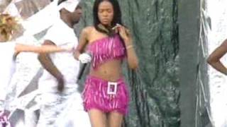 Destiny's Child - Independent Women Live @ Party In The Park 2001