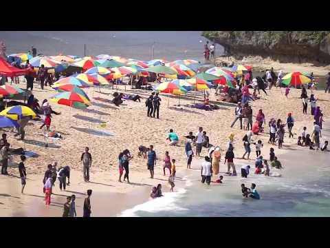 Wisata Pantai Drini Yogyakarta (Full)
