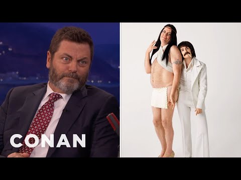 Nick Offerman Megan Mullally Dressed As Sonny Cher Conan On Tbs