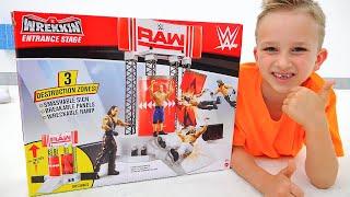 Vlad và Nikita chơi với WWE Đồ chơi