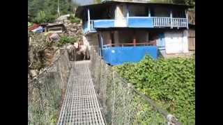 preview picture of video 'Bridge on way to Ghorepani, Annapurna'