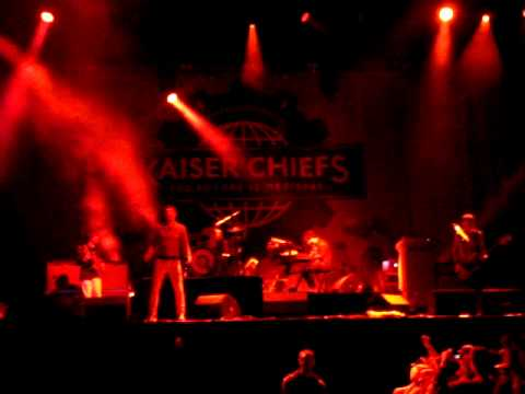 Kaiser Chiefs - Dead Or In Serious Trouble (BBK Live 2011)