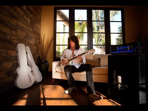 Tommy Thayer - Ltd. Ed. White Lightning Signature Guitar 2015