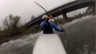 preview picture of video 'Go Pro foix,pau kayak slalom'