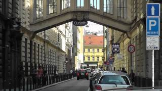 preview picture of video 'Prag: Eine flotte Tour durch die City. Prague: A brisk tour through the City'