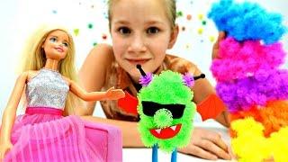 Видео для детей. Конструктор ЛИПУЧКА: Кукла Барби делает вампира из #БАНЧЕМС