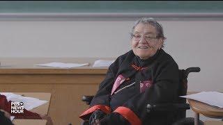 Viral sensation Flossie Lewis is still a spectacular teacher at 94