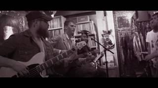 Machine Gun Kelly - Kiss The Sky (Acoustic)
