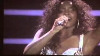 Kelly Rowland - Dilemma Live @ Uniondale 2005