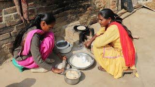 Village women Making Roti💕Rural life of Punjab/India💕Villager life of Punjab/India/Pind life