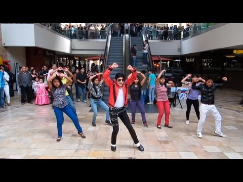 Michael Jackson Thriller Tribute Flashmob