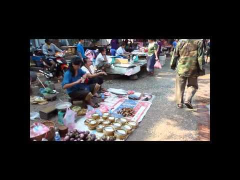 Video A walk in Luang Prabang Day Market  -  Laos