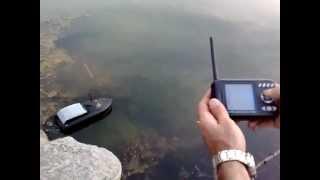 Катер на радиоуправлении для рыбалки с эхолотом
