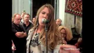 Joss Stone's Acoustic Performance of Back in Style (Fashion's Night Out 2010)