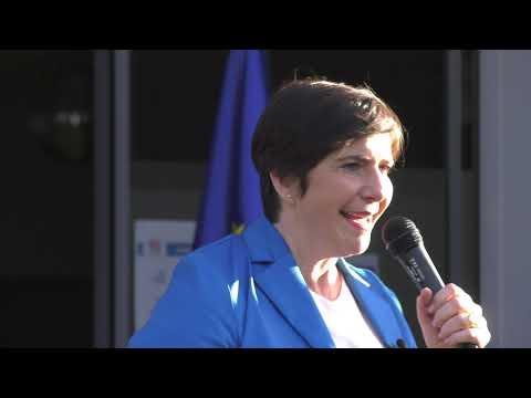 Dorev Klára: El kell kezdeni végre kormányozni!