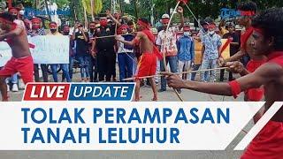 Mahasiswa Aru Maluku Demo Tolak Perampasan Tanah Adat, Berkostum Perang dan Bawakan Tari-tarian