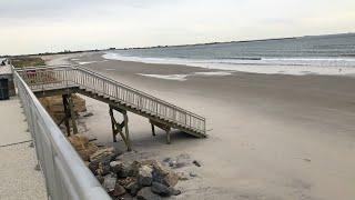 Live NYC  Beach Metal Detecting