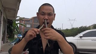 Man Puts Venomous Snake Through His Nose