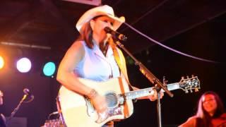 """Terri Clark """"I Just Wanna Be Mad"""" Live in RI, 8/18/16"""