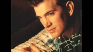 "Chris Isaak - ""I'm So Lonesome I Could Cry"""