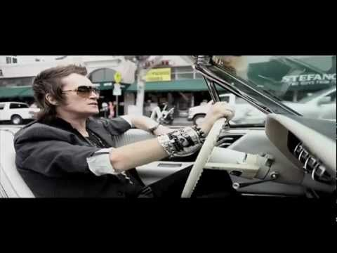 Black Country Communion - Man In The Middle online metal music video by BLACK COUNTRY COMMUNION