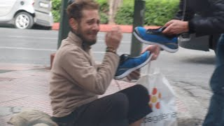 Homeless Veteran Gets New Adidas shoes On Veterans Day