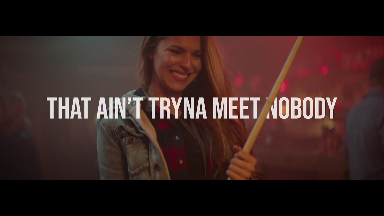 Lee Brice - One Of Them Girls (Official Lyric Video) thumbnail